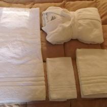 noleggio-lenzuola-biancheria-camera-asciugamani-2