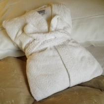 noleggio-lenzuola-biancheria-camera-asciugamani-3